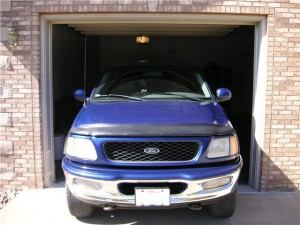 custom-home-with-large-garage-fits-pickup-truck